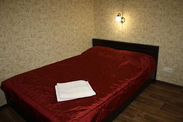 1-комнатная квартира посуточно в Мариуполе. б-р Шевченко, 335. Фото 1