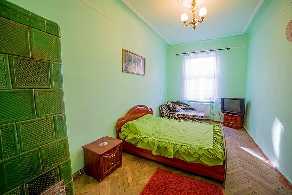1-комнатная квартира посуточно в Львове. Шевченковский район, ул. Креховская, 7. Фото 1