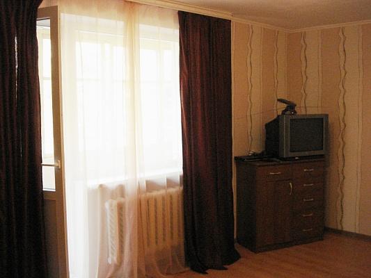 1-комнатная квартира посуточно в Севастополе. Гагаринский район, ул. Фадеева, 25. Фото 1