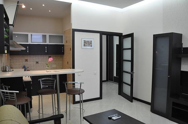 2-комнатная квартира посуточно в Одессе. Гагаринское плато, 5. Фото 1