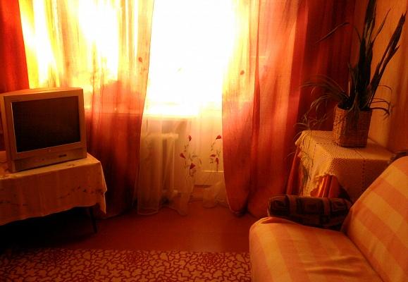 2-комнатная квартира посуточно в Ровно. Майдан Независимости, 9. Фото 1