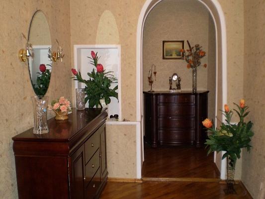 3-комнатная квартира посуточно в Севастополе. Ленинский район, ул. Генерала Петрова, 4. Фото 1