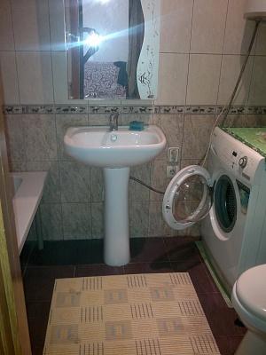 2-комнатная квартира посуточно в Феодосии. пер. Танкистов, 18-а. Фото 1