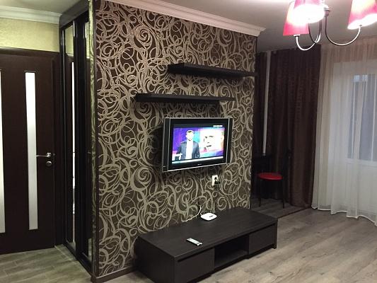 1-комнатная квартира посуточно в Мариуполе. пр-т Ленина, 104. Фото 1