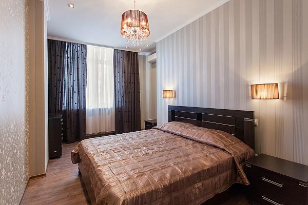 2-комнатная квартира посуточно в Одессе. Приморский район, ул. Генуэзская, 3. Фото 1