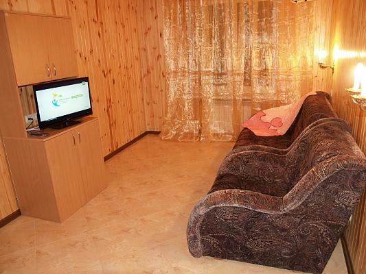 2-комнатная квартира посуточно в Киеве. Днепровский район, ул. Жмаченко, 16. Фото 1