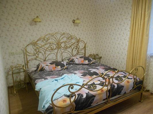 2-комнатная квартира посуточно в Запорожье. Жовтневый район, пр-т Соборный, 150 б. Фото 1