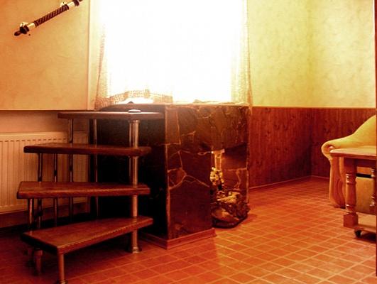 1-комнатная квартира посуточно в Сумах. Заречный район, ул. Петропавловская, 103. Фото 1