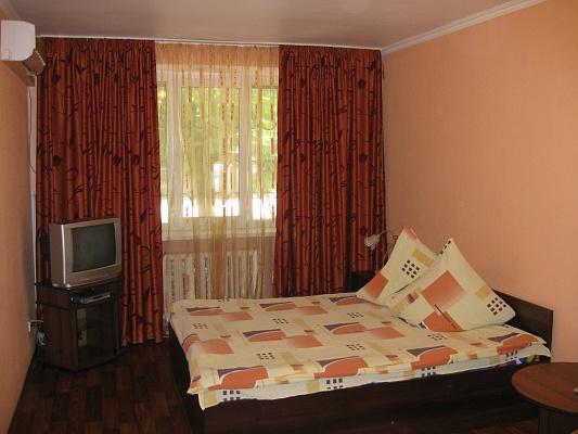 1-комнатная квартира посуточно в Киеве. Соломенский район, Стадионная, 3а. Фото 1