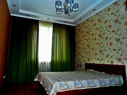 2-комнатная квартира посуточно в Харькове. Московский район, ул. Сомовская, 12Б. Фото 1
