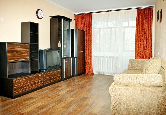 1-комнатная квартира посуточно в Симферополе. Центральный район, ул. Севастопольская, 26. Фото 1