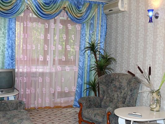 1-комнатная квартира посуточно в Херсоне. Днепровский район, ул. Красностуденческая, 23. Фото 1