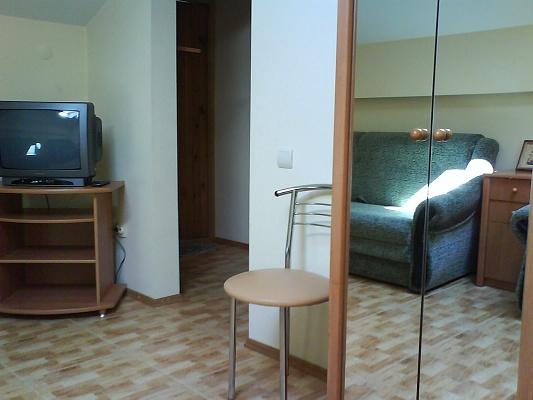 1-комнатная квартира посуточно в Феодосии. ул. Куйбышева, 16. Фото 1