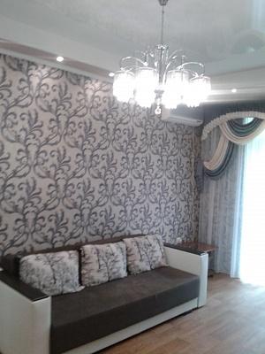2-комнатная квартира посуточно в Луганске. пл. Героев ВОВ, 4а. Фото 1