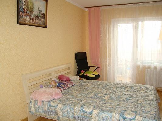 1-комнатная квартира посуточно в Ильичёвске. Пригород район, ул. 1 Мая, 19. Фото 1