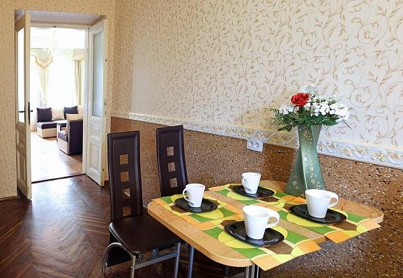 1-комнатная квартира посуточно в Львове. Железнодорожный район, ул. Одесская, 2. Фото 1