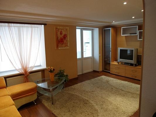 1-комнатная квартира посуточно в Никополе. пр-т Трубников, 23. Фото 1