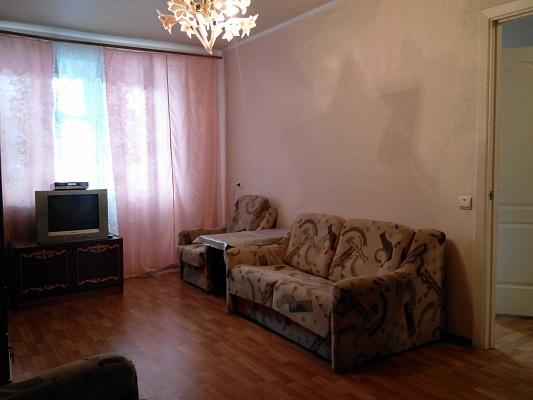 1-комнатная квартира посуточно в Славянске. ул. Батюка, 16. Фото 1