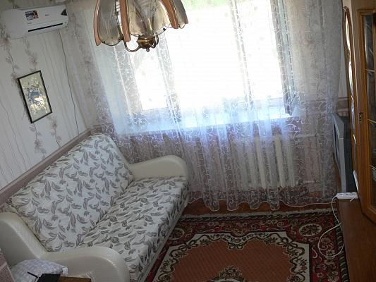 1-комнатная квартира посуточно в Одессе. Суворовский район, ул. Красная, 8. Фото 1