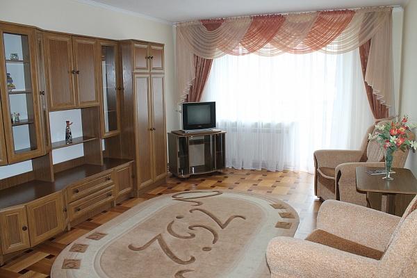 2-комнатная квартира посуточно в Тернополе. ул. Чумацкая, 25а. Фото 1