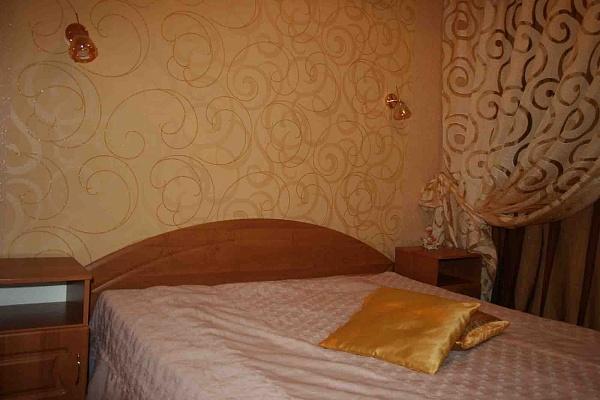 4-комнатная квартира посуточно в Луцке. ул. Конякина,. Фото 1