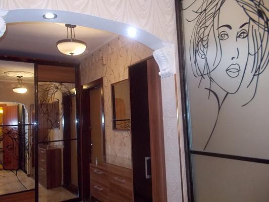 1-комнатная квартира посуточно в Киеве. Деснянский район, пр-т Маяковского, 1-В. Фото 1