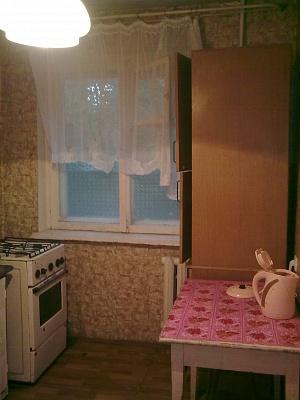 1-комнатная квартира посуточно в Мариуполе. пр-т Строителей, 72. Фото 1