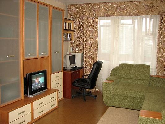 1-комнатная квартира посуточно в Киеве. Святошинский район, ул. Ирпенская, 74. Фото 1