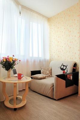 2-комнатная квартира посуточно в Чернигове. Деснянский район, Победы , 108а. Фото 1