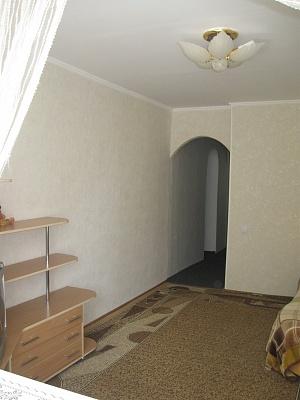 1-комнатная квартира посуточно в Севастополе. Гагаринский район, героев Бреста, 11. Фото 1