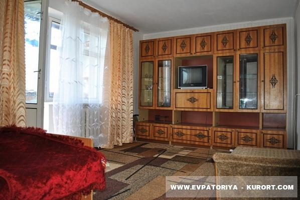 1-комнатная квартира посуточно в Евпатории. ул. Эскадронная, 13. Фото 1