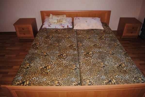 2-комнатная квартира посуточно в Феодосии. ул. Десантников, 9. Фото 1