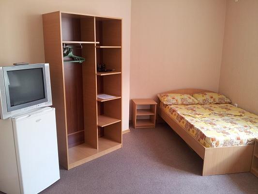 Мини-отель  посуточно в Железном Порту. ул. Школьная, 55/20-А. Фото 1