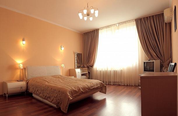 1-комнатная квартира посуточно в Киеве. Дарницкий район, пр-т Бажана, 10. Фото 1