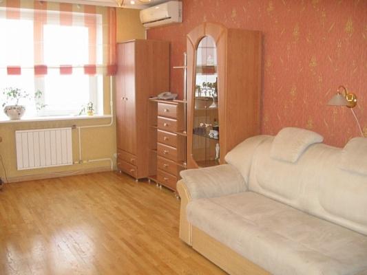 3-комнатная квартира посуточно в Киеве. Оболонский район, ул. Мате Залки, 8б. Фото 1