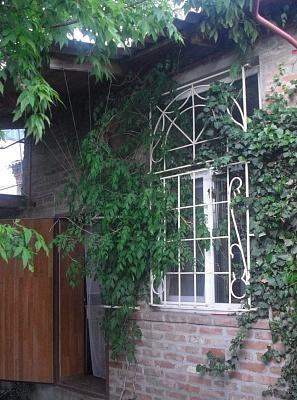 2-комнатная квартира посуточно в Бердянске. ул. Красная, 27/3. Фото 1
