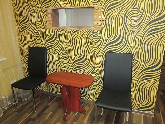 1-комнатная квартира посуточно в Чернигове. Новозаводской район, ул. Щорса, 2А. Фото 1