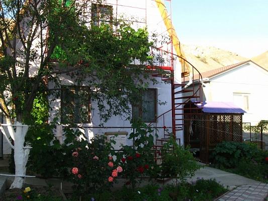 Дом  посуточно в Феодосии. Феодосия, п. Орджоникидзе, ул. Бондаренко,, 20. Фото 1