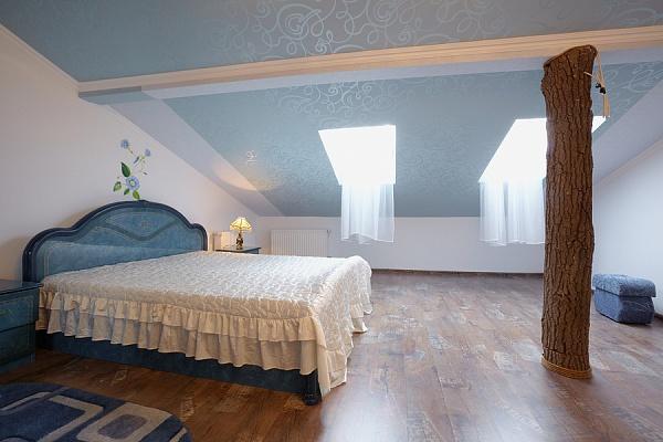 3-комнатная квартира посуточно в Львове. Галицкий район, ул. Маланюка, 1. Фото 1