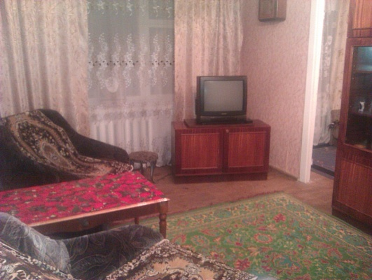 2-комнатная квартира посуточно в Ровно. ул. Остафова, 33. Фото 1