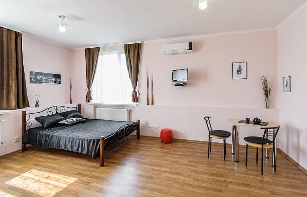 1-комнатная квартира посуточно в Харькове. Московский район, ул. Академика Павлова, 44 а. Фото 1