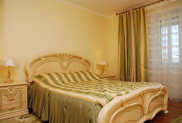 3-комнатная квартира посуточно в Киеве. Печерский район, б-р Леси Украинки, 7. Фото 1
