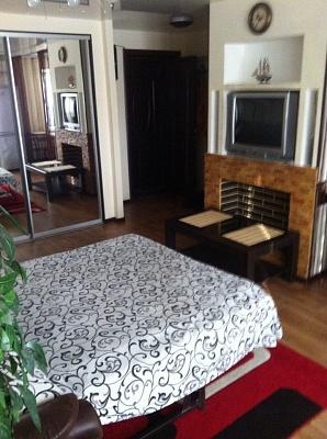 1-комнатная квартира посуточно в Кривом Роге. Саксаганский район, пр.Гагарина, 59. Фото 1