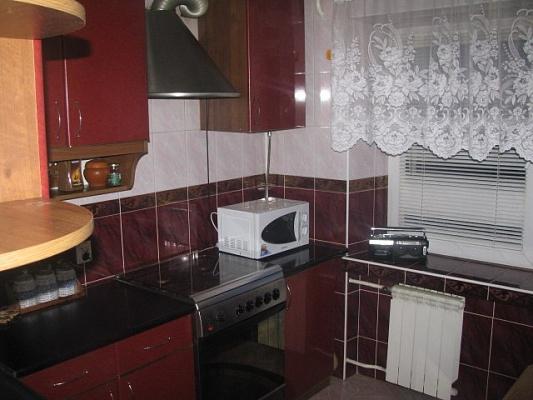 3-комнатная квартира посуточно в Каменце-Подольском. ул. 30 лет Победы, 14. Фото 1