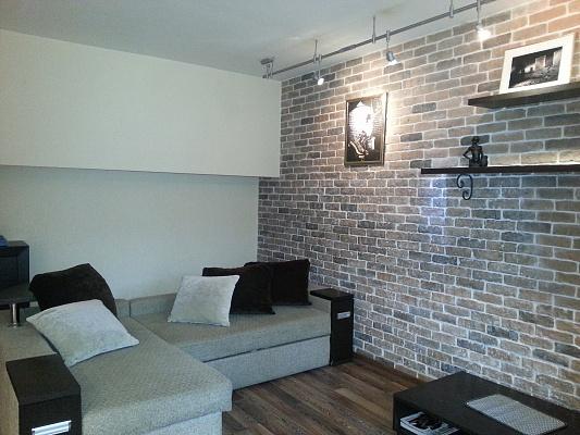 1-комнатная квартира посуточно в Мариуполе. пр-т Металлургов, 33. Фото 1