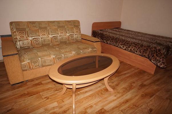 1-комнатная квартира посуточно в Керчи. ул. Кирова, 57. Фото 1