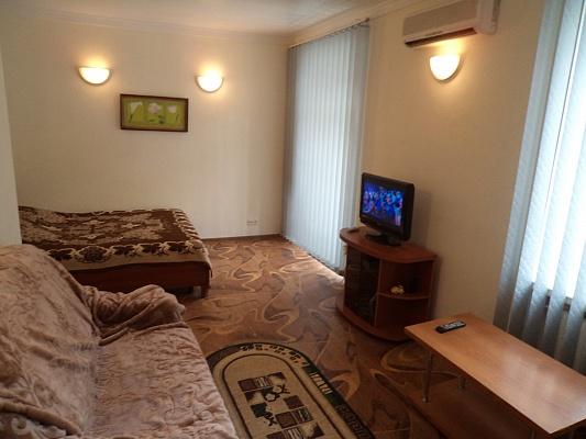 1-комнатная квартира посуточно в Севастополе. Ленинский район, ул. Большая Морская, 48. Фото 1