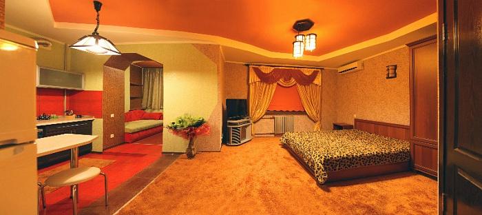1-комнатная квартира посуточно в Николаеве. Центральный район, ул. Декабристов, 25. Фото 1
