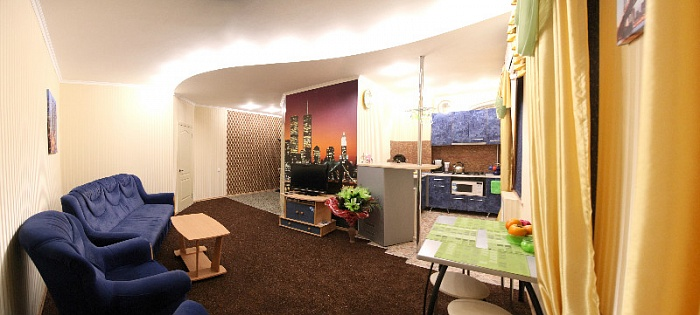2-комнатная квартира посуточно в Николаеве. Центральный район, ул. Декабристов, 23а. Фото 1