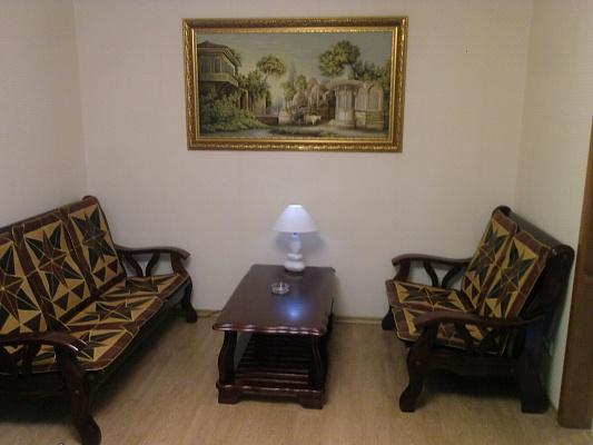 2-комнатная квартира посуточно в Одессе. Приморский район, ул. Нежинская, 73. Фото 1
